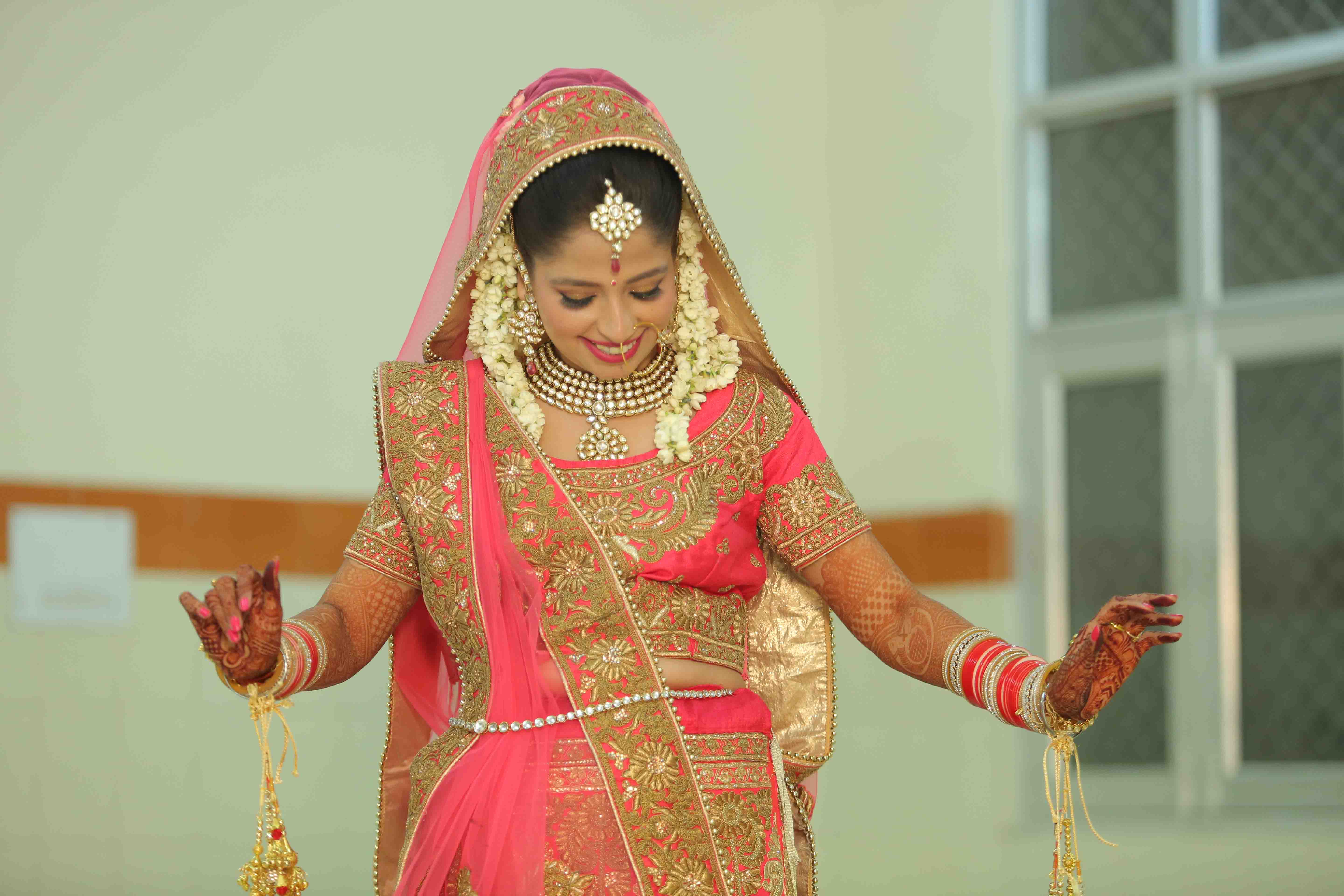 indian bridal photo shoot in delhi: dulhan makeup photos | photoportray